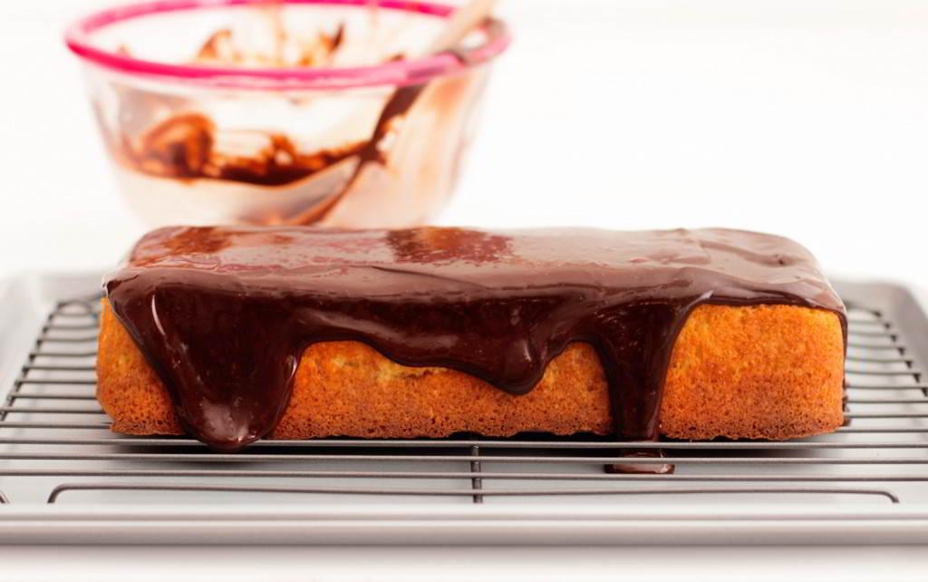 bizcocho-de-almendras-con-chocolate