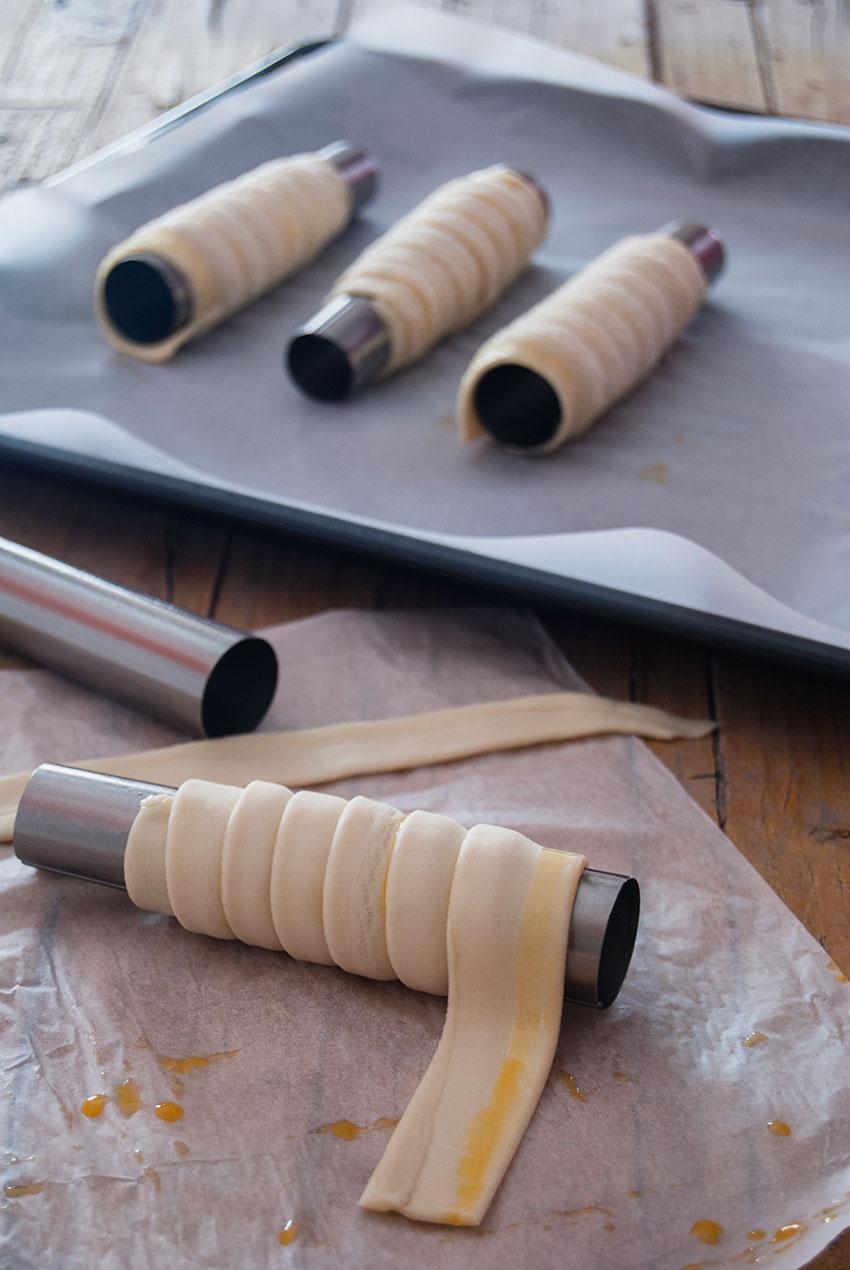 canutillos-de-hojaldre-rellenos-de-crema-de-praline-foto-2-2